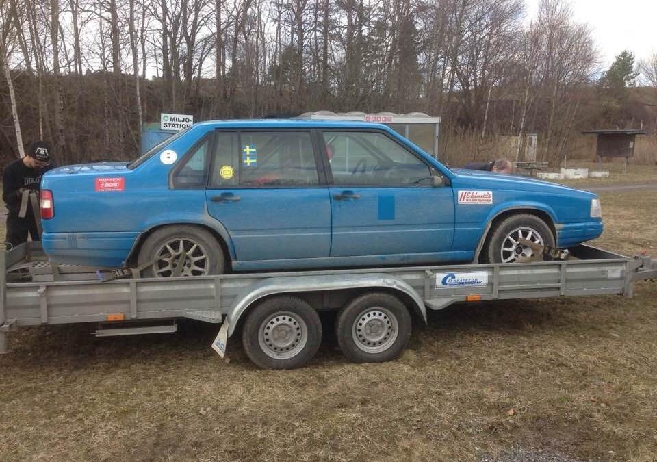 Per och Sebbe kör rallytävling i Falköping