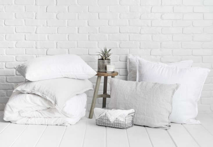 enter to win luxury bedding giveaway