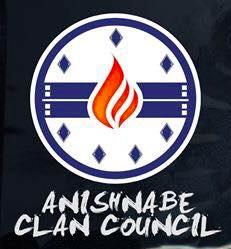 Anishnabe Clan Council - cercle avec 7 petits losange, une flamme au milieu.