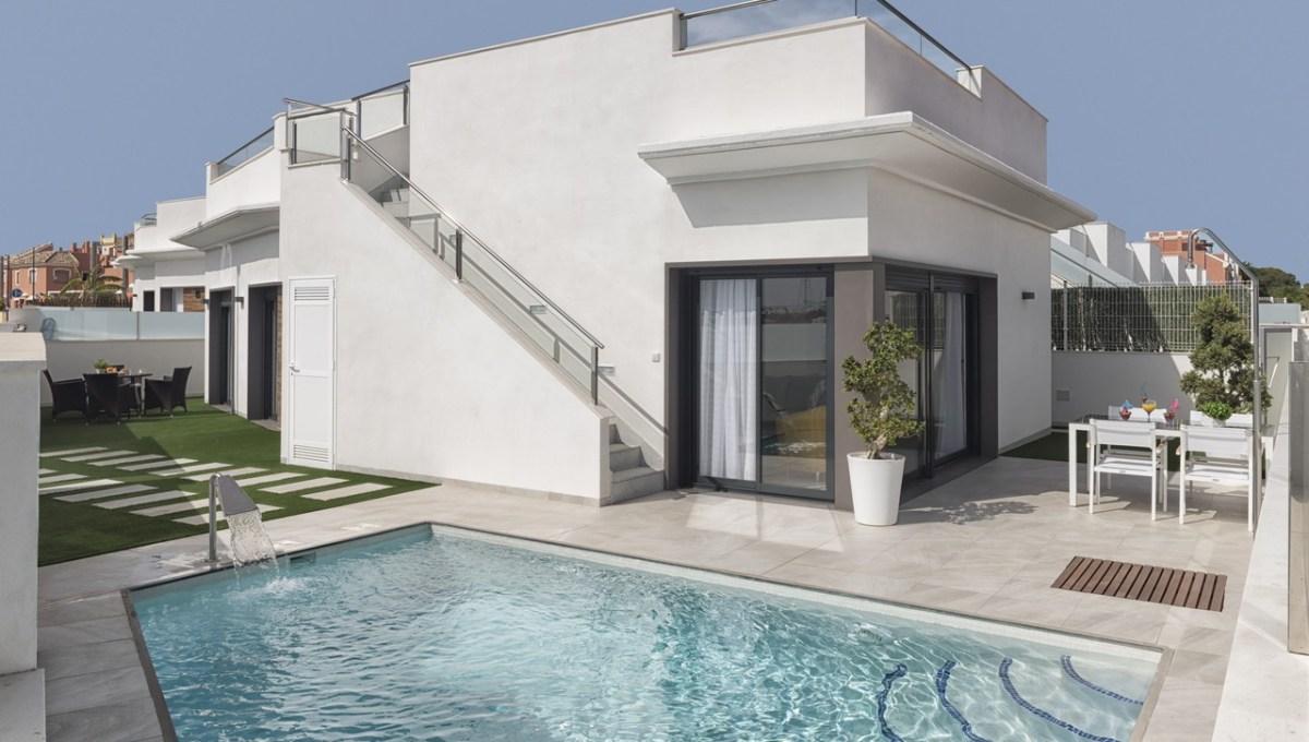 000 3 Bedroom Villa