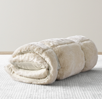 Luxe Faux Fur Sleeping Bag Arctic Fox