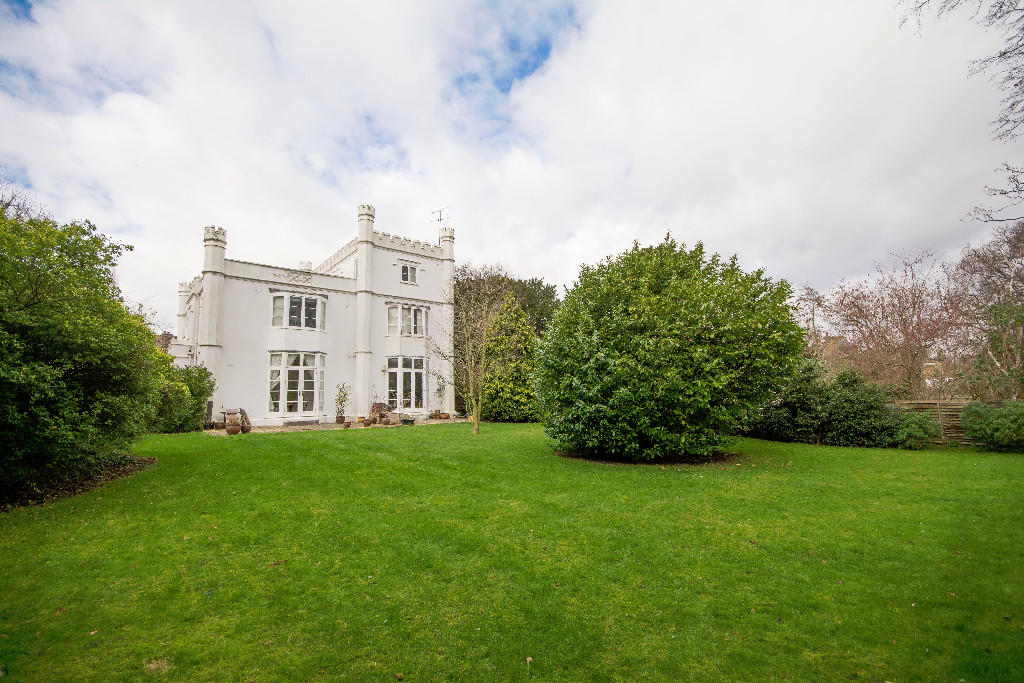 priory mansion