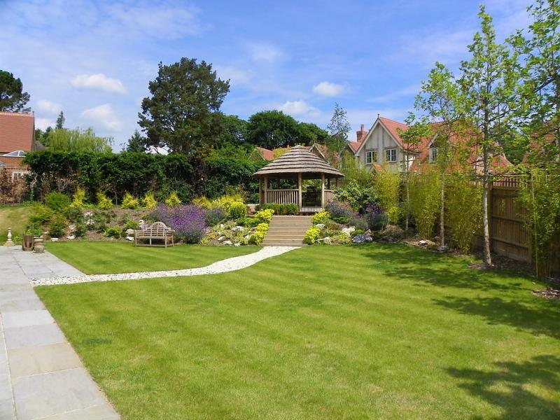 Split Level Garden Design Ideas, Photos & Inspiration ... on Split Garden Ideas id=68927