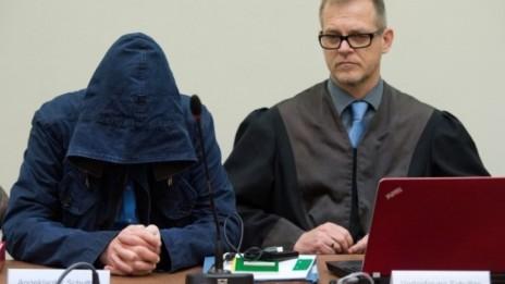 Zschäpe-Prozess: Der Mitangeklagte Carsten Schultze (links), OLG München 04.06.2013