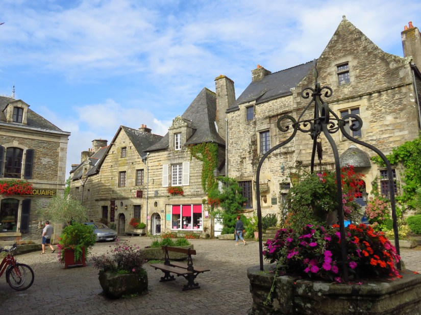Where to go within 100 km of Rennes?