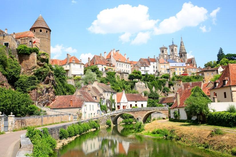 Where to go within 100 km of Dijon?