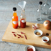 2014-0316_grow-and-make_deluxe-home-hot-sauce-kit_mid-016