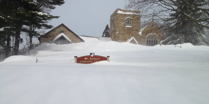 In the Face of Unrelenting Snow, New England Churches Soldier On