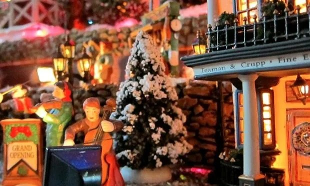 Decorative Christmas villages: A model for sustainable living?
