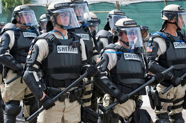Researchers: Police likely provoke protestors — not the other way around