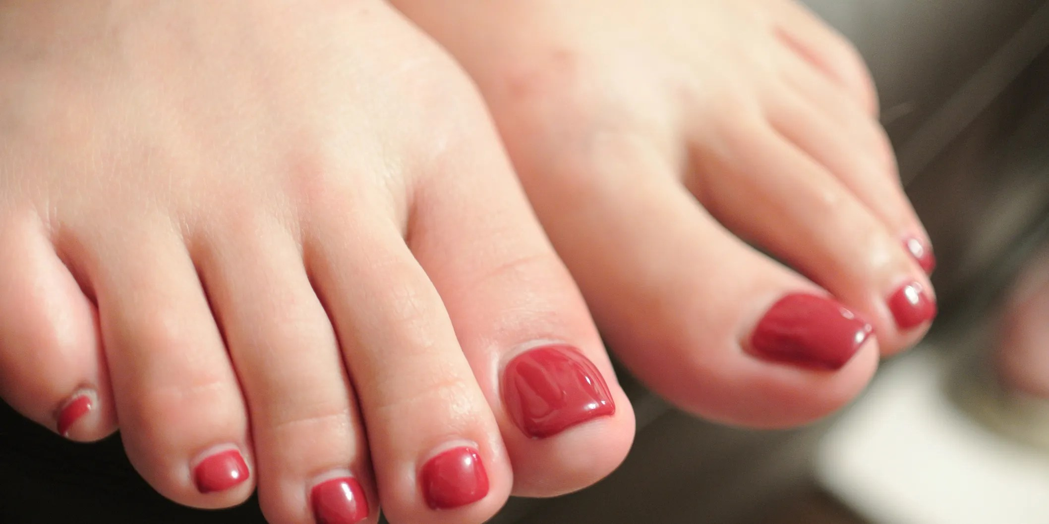 We may earn money from the links on this page. 9 Common Foot Problems, Solved - SELF | SELF