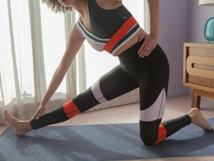make exercise at home fun (image)