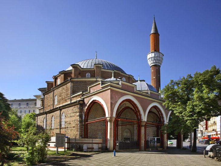 Mezquita Banya Bashi   Qué ver en Sofia con Servantrip