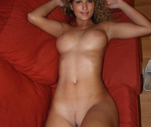 Cute Girlfriend Naked In Bed