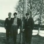 Sölve Johansson, Ebbe ? och Stig Andersson. Sölve är bror till Vigner, söner till Bernhard och Gertrud Johansson.