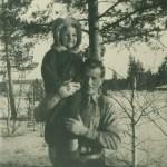 Marys andre man, Sten Larsson från Kettisträsk 1911-1967 med yngsta dottern Monika 1945-1980.