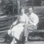 Georg Mikaelsson med hustru Stens f Lindström 1922 på semesterresa i söder, här vid Skansen.