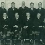Den svenska OS-truppen som deltog i Lake Placid, USA, 1932. Sivert sitter på tredje platsen från vänster.