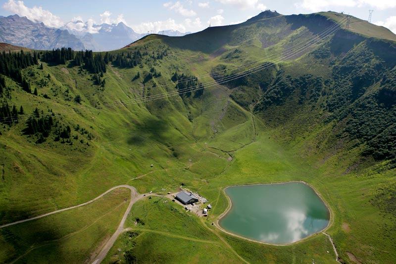 Lac d'Airon a Les Carroz-d'Arâches, une randonnee non loin de Flaine