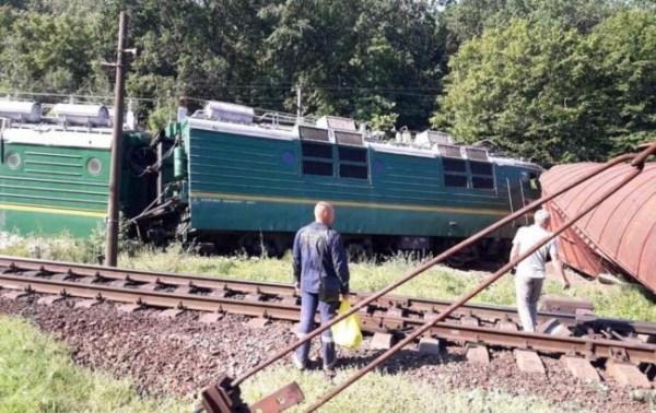 В Кировоградской области сошел с рельсов грузовой поезд ...