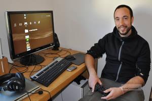 Daniel Åkerud har programmerat och spelat i stort sett hela sitt liv och älskar att experimentera.