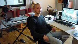 Ola Strandh, 35, började spela fiol när han var fyra år gammal. Sedan dess har allt han gjort handlat om ljud.
