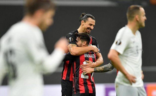 Брахим Диас и Златан Ибрагимович празднуют гол «Милана» в ворота «Спарты».