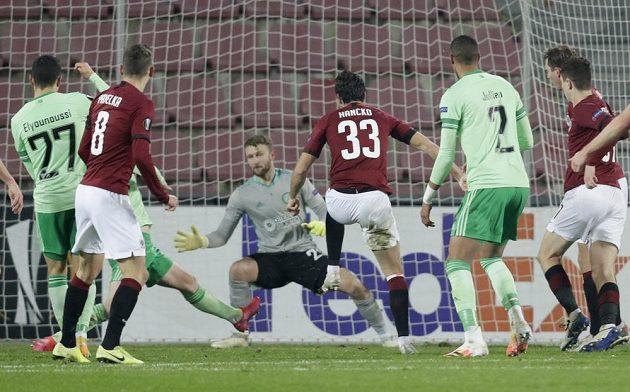 Спартанец Дэвид Хэнко в матче Лиги Европы против «Селтика Глазго» сравнял счет 1: 1.