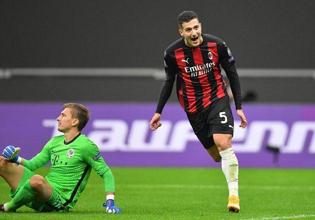 Диого Далот добавил третий гол «Милана» в ворота «Спарты».