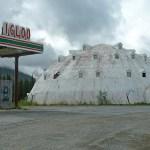 Det övergivna Igloo Hotel. Cantwell