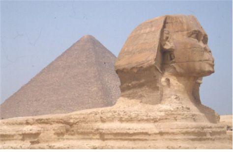 Sfinxen och Cheopspyramiden. Giza (U)