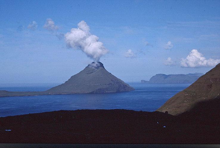 Följ med på en resa på vackra Färöarna
