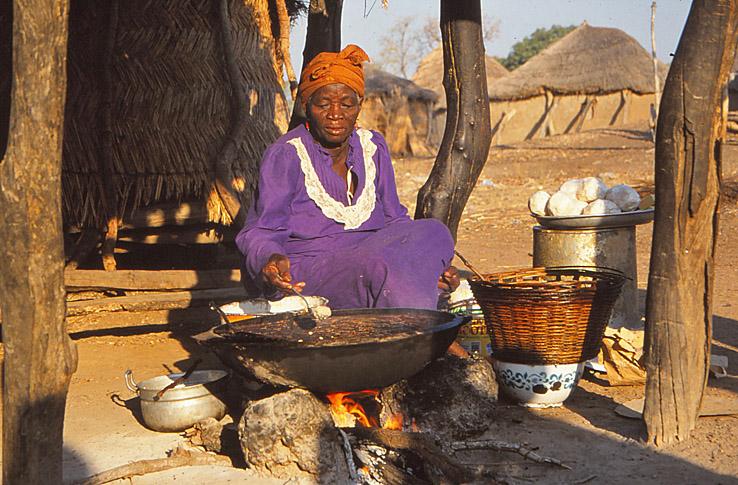 Matlagning i byn Auchubunyor