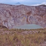 Vulkankrater. Norra Sulawesi