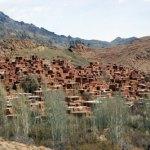 Vy över bergsbyn Abyaneh