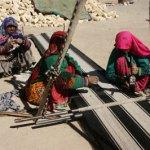 Vävande nomadkvinnor. Nasr Abad