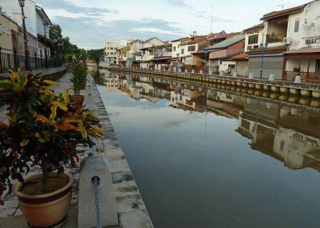 Floden Sungai Melaka. Malacka (U)