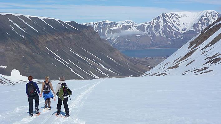 Vy från Sarkofagen. Longyearbyen