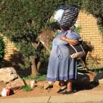 På väg till arbetet. Soweto