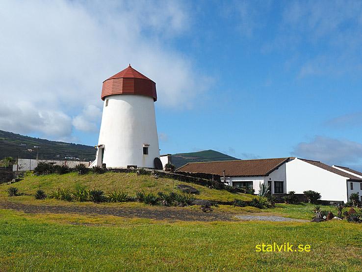 Den gamla väderkvarnen. Mosteiros