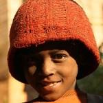 Pojke med röd mössa