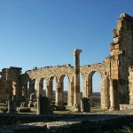 De romerska ruinerna. Volubilis (U)