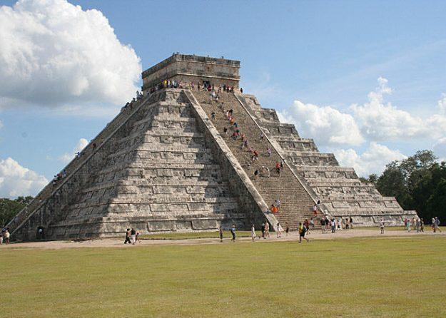 Mayatempel. Chichen Itza. Mexiko (U)