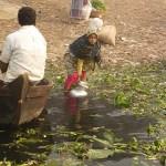 Dricksvatten tas ur floden. Dhaka