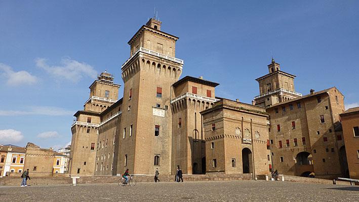 Castello Estense. Ferrara. Italien (U)