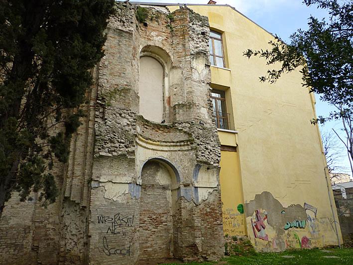 Bombad kyrka. Rimini
