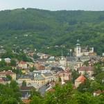 Vy över staden Banska Stiavnica (U)