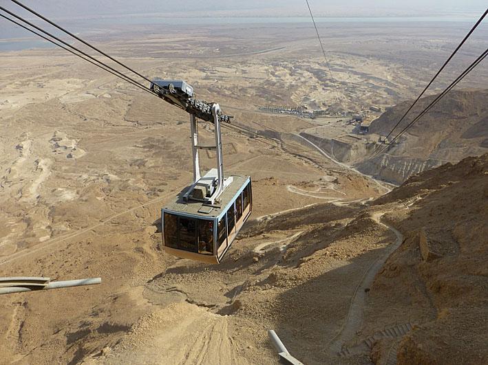 På väg upp på Masada-klippan