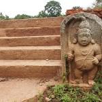Guardstone. Anuradhapura (U)