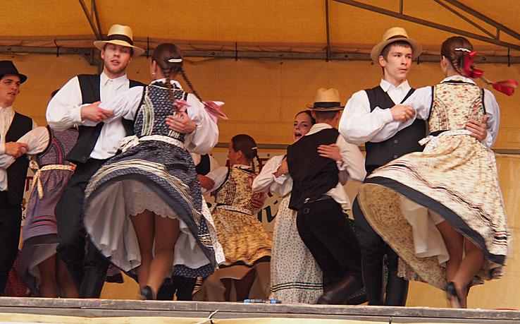 Folkdans. Eger